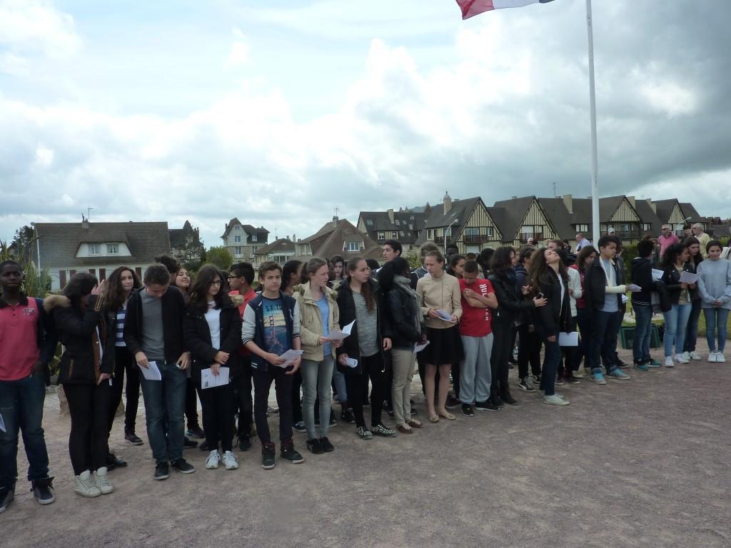 Souvenir Français Asnières - Clichy ( Cérémonie organisée avec les élèves de 3ème du collège Jean MACE de Clichy)